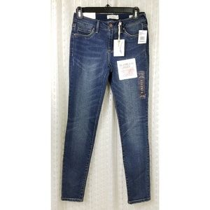 NWT Jessica Simpson Kiss Me Skinny Jeans